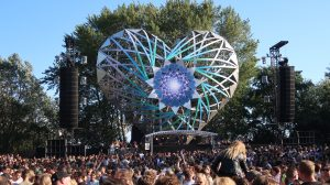 Welcome To The Future Festival Lovers Het feestje van Iris Vlog Report Review 2019 Twiske (5)
